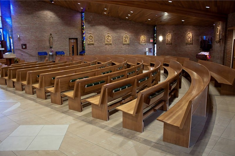 rows of pews in curch